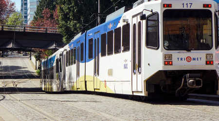 TriMet unveils plans to replace oldest light-rail vehicles