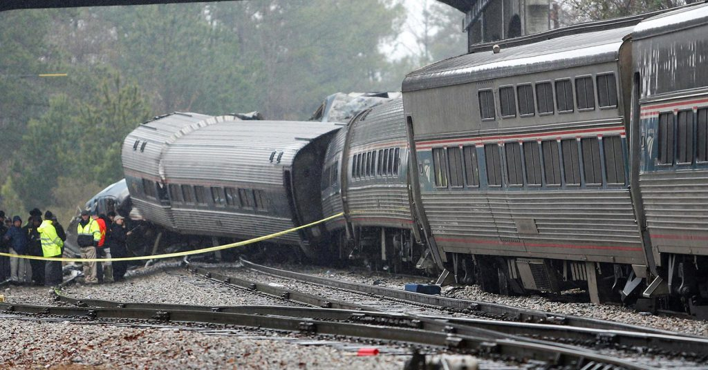 Two-thirds of US commuter railroads may not meet crash technology deadline