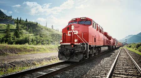 CP unveils plan to order 5,900 grain hopper cars
