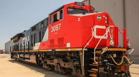 CN orders 60 more GE locomotives