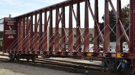 CN unveils new centerbeam rail car
