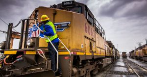 Union Pacific and CSX CEOs say US economy still looks pretty good